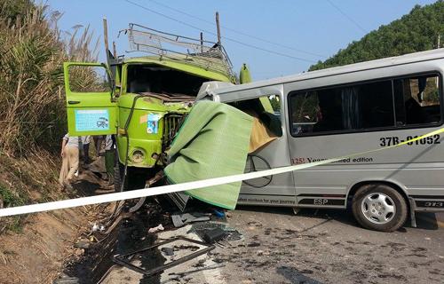 9 người thân tử nạn trên chiếc xe đang đi ăn cưới
