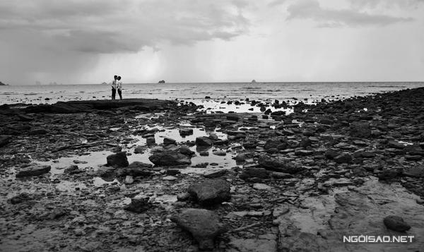 Tài năng của nhiếp ảnh gia Tang Tang giúp bộ ảnh thêm hút hồn với những góc máy đẹp.