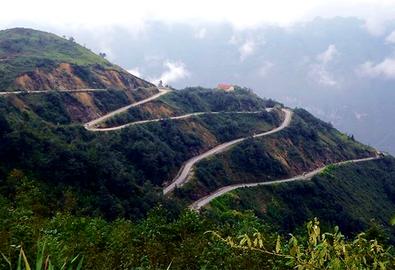 Gửi mây trời trên đường lên cửa khẩu Săm Pun