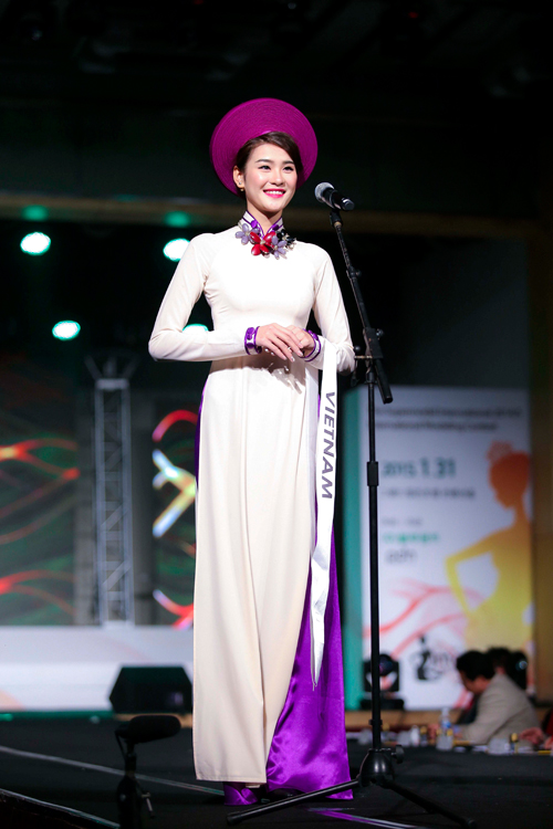 Hà Phương đoạt giải bạc Siêu mẫu quốc tế