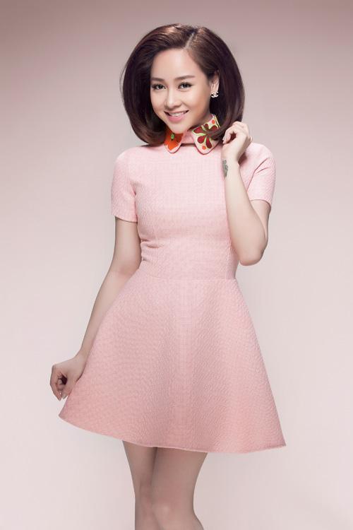 Bộ sưu tập các mẫu váy trên gam màu nhẹ nhàng sẽ mang tới những gợi ý thú vị cho các bạn gái trẻ trong việc chọn trang phục hợp mốt mùa xuân.