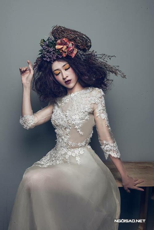Thùy Trang làm cô dâu `nổi loạn`