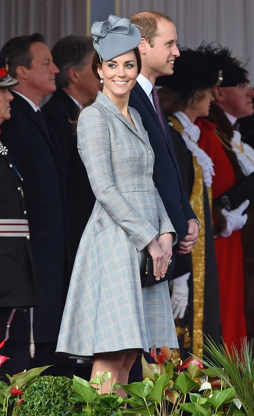 Kate-Middleton-First-Appearanc-4082-7430