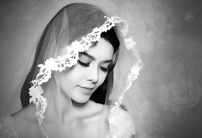 Á khôi Khánh Linh e ấp như nụ hồng
