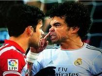 8 lần Diego Costa 'dính đòn' trên sân