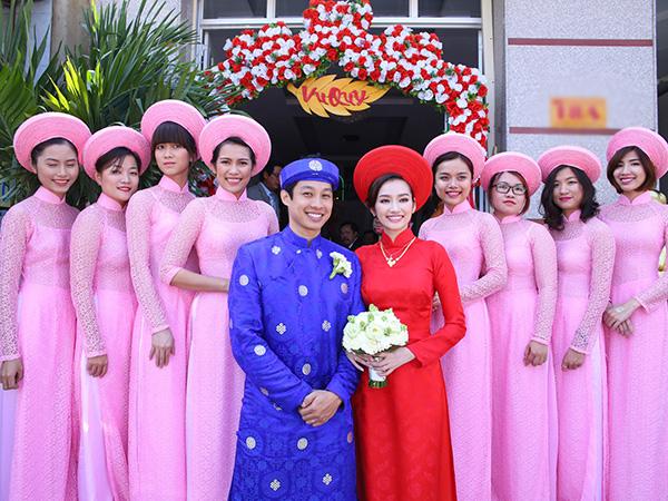 Sao Việt chọn áo dài cưới màu đỏ mộc mạc