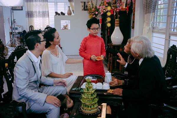 gia-dinh-Hoang-Bach-13-1805-1423451356.j