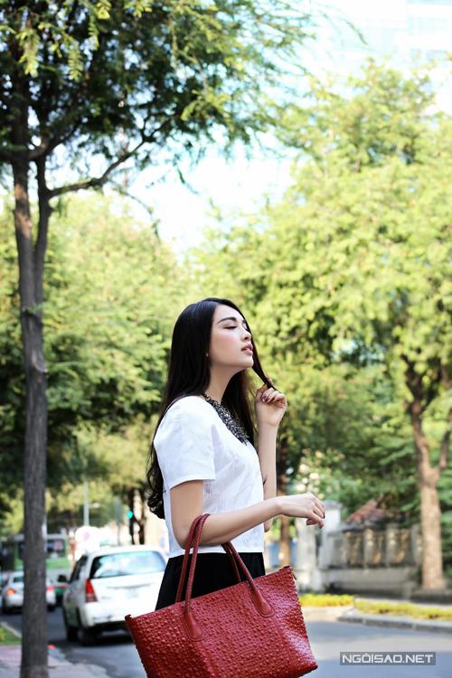 Bộ ảnh được thực hiện với sự hỗ trợ của Photo: Lê Bá Chánh, Trang phục: Jenny Kim.