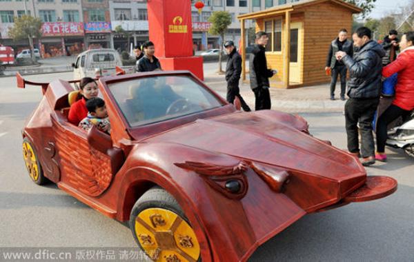 Chiếc xe ấn tượng của Yu thu hút sự chú ý của mọi người, thậm chí một người chuyên sưu tập xe muốn mua xe của Yu với giá 220.000 nhân dân tệ (hơn 35.000 USD).
