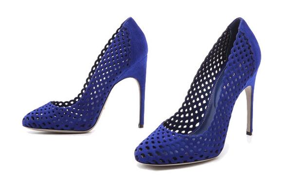 BlueWeddingShoes-9-2450-1423715119.jpg