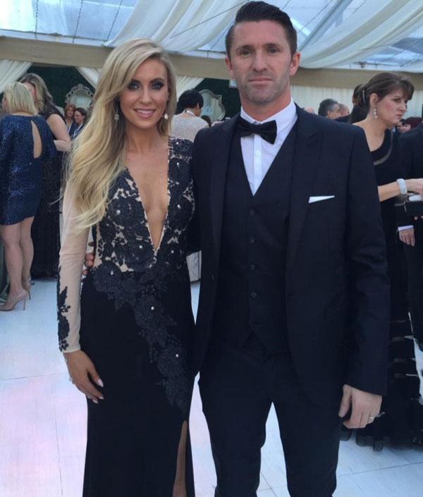 Cuối tuần qua, Robbie Keane và bà xã tóc vàng hân hoan sánh bước tới dự lễ trao giải âm nhạc danh tiếng Grammy