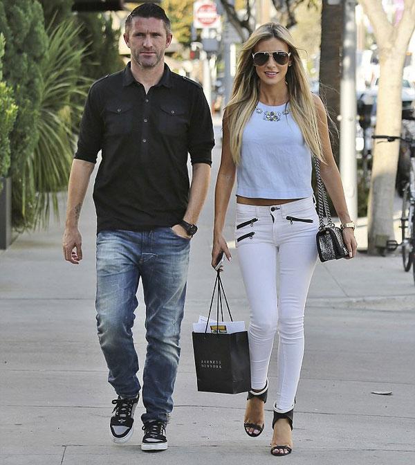 Vợ chồng sao Ireland chia tay nước Anh, đến với xứ sở cờ hoa năm 2011 khi Robbie Keane ký hợp đồng với Los Angeles Galaxy, đội bóng cũ của Becks.