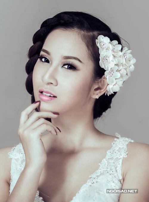 Mắt nâu môi hồng, make up hoàn hảo cho cô dâu Việt