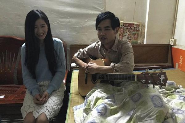 Hiện tại, Xiao Dan đang sống cùng gia đinh Kong Chang để tiện chăm sóc cho anh. Ảnh: CEN