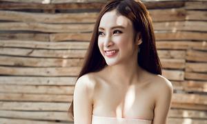 Angela Phương Trinh vai trần quyến rũ