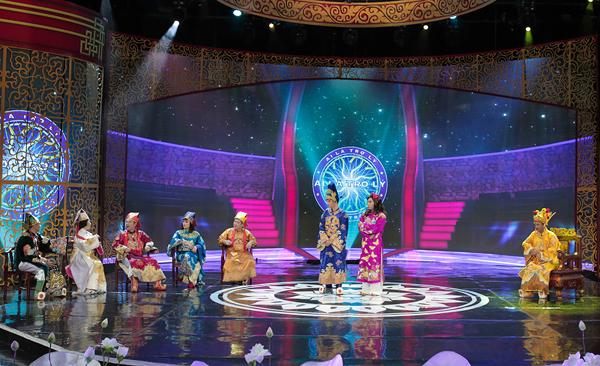Trong phần các Táo lên chầu, Ngọc Hoàng bất ngờ tổ chức cuộc thi Ai là trợ lý để tuyển thêm nhân lực hỗ trợ thiên đình.