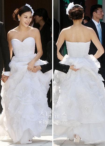 Váy cưới 3D lộng lẫy của sao Hàn