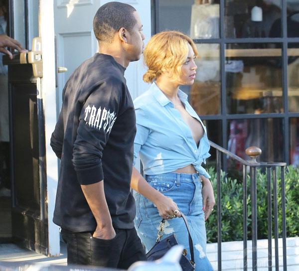 Beyonce phanh áo lộ bầu ngực đi ăn trưa cùng chồng