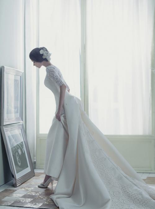 Váy cưới hiện đại, tinh tế cho cô dâu