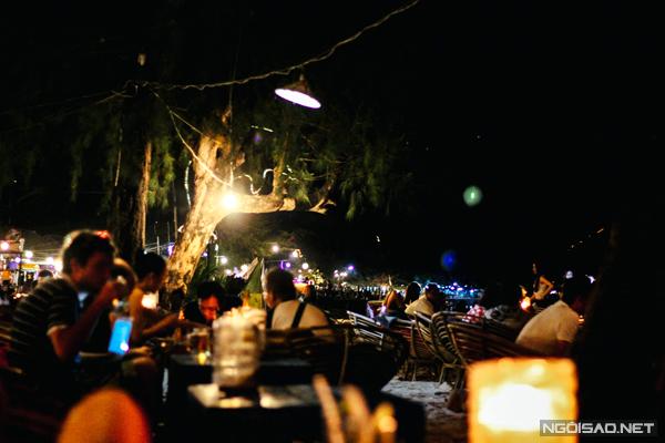 Bờ biển Sihanouk ban đêm.