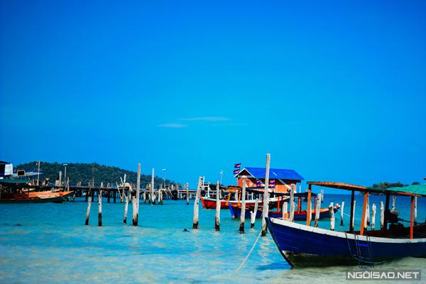 Màu xanh ngọt ngào của bầu trời và nước biển tại đảo Koh Rong