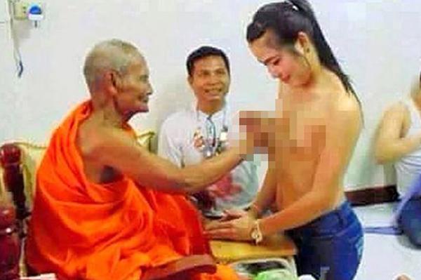monk-1318-1425435122.jpg
