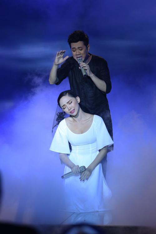 Tóc Tiên gây ấn tượng mạnh với màn trình diễn