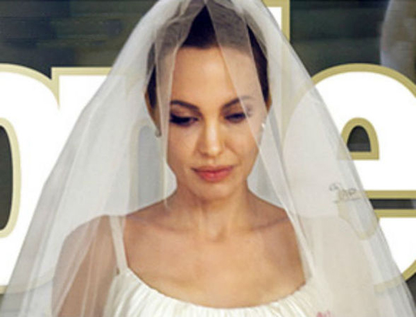 5 kiểu make up cưới cổ điển của sao thế giới
