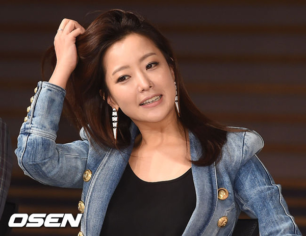 kim-hee-sun-3-4581-1426584005.jpg