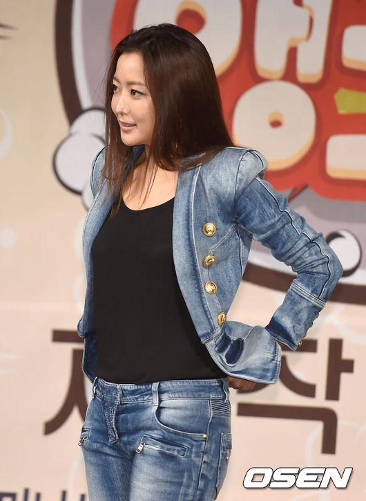kim-hee-sun-4-9484-1426584005.jpg