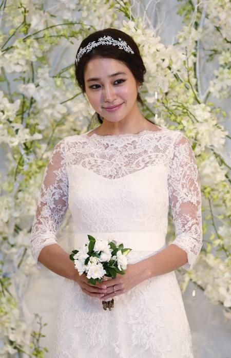 Lee-Min-Jung.jpg