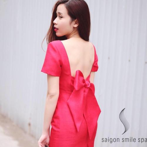 Lưu Hương Giang tự tin xuống phố, khoe làn da trắng hồng nổi bật.