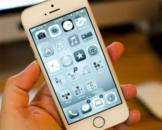 Cách cứu pin sắp cạn của iPhone bằng nút Home