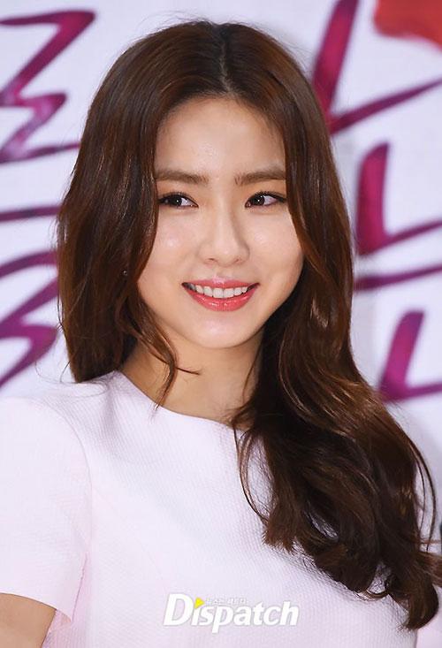 shin-se-kyung-2-6592-1427706259.jpg