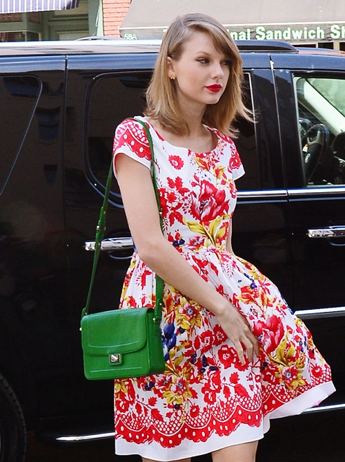 The-Many-Bags-of-Taylor-Swift-1415-9980-