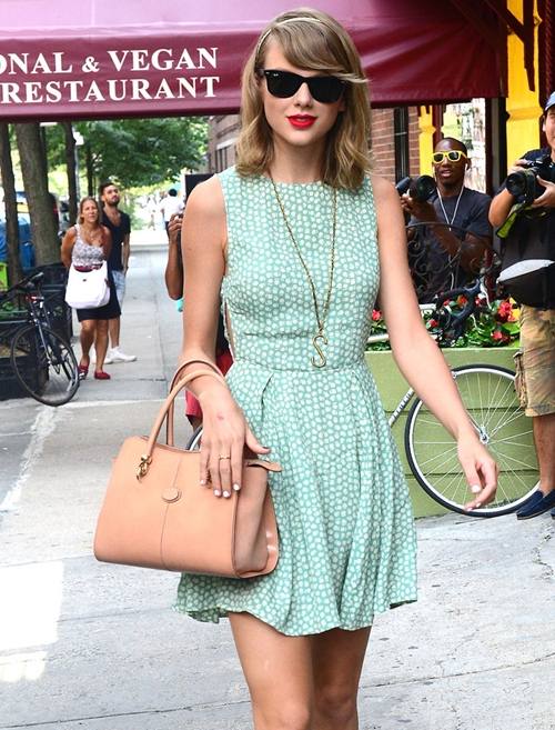 The-Many-Bags-of-Taylor-Swift-3820-1177-