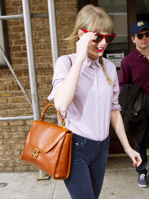 The-Many-Bags-of-Taylor-Swift-6530-6693-