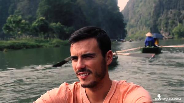 Chang trai Bồ Dao Nha lam video về vẻ dẹp Việt Nam