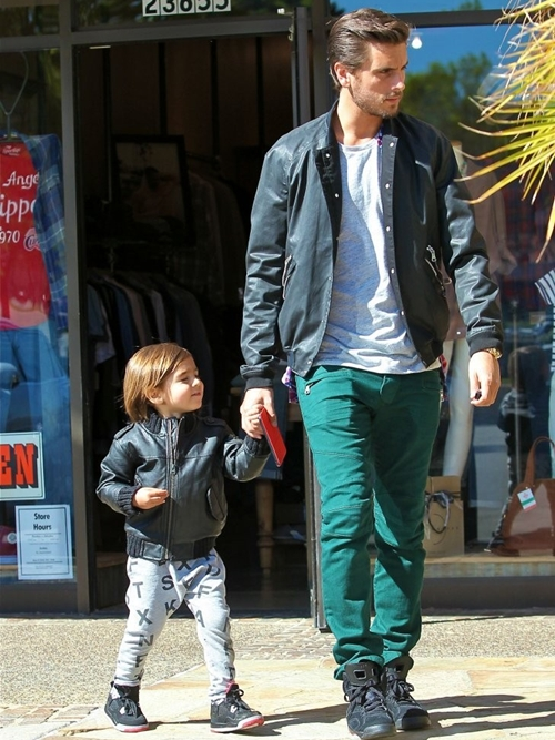 Scott-Disick-Takes-Mason-Lunch-1688-7827