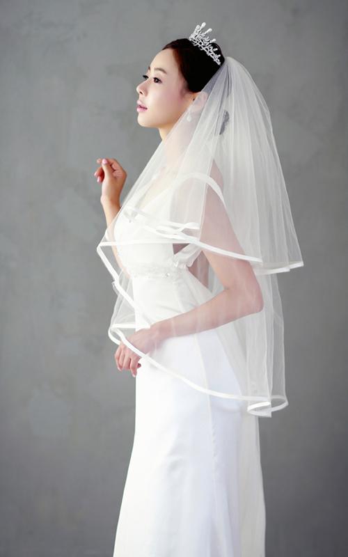 Chọn voan trơn tinh tế như cô dâu Hàn Quốc