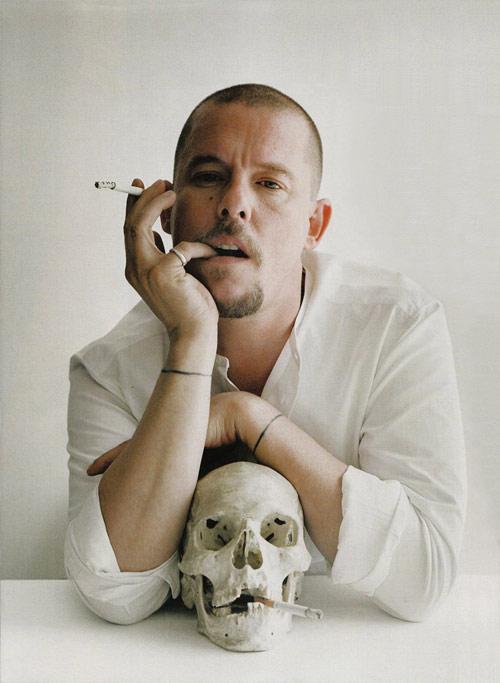 Alexander McQueen. Thiên tài và những thiết kế.