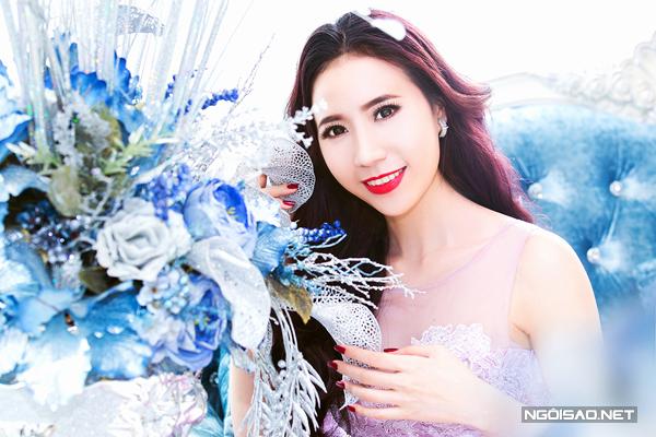 Hai phong cách make up cô dâu mùa hè nổi bật