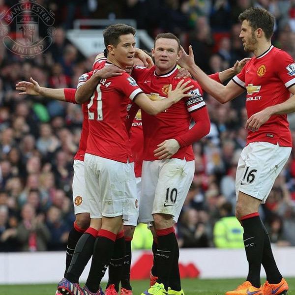 Cuối tuần qua, MU cũng có trận thắng ấn tượng 3-1 trước Aston Villa với cú đúp của Herrera và một bàn của Rooney
