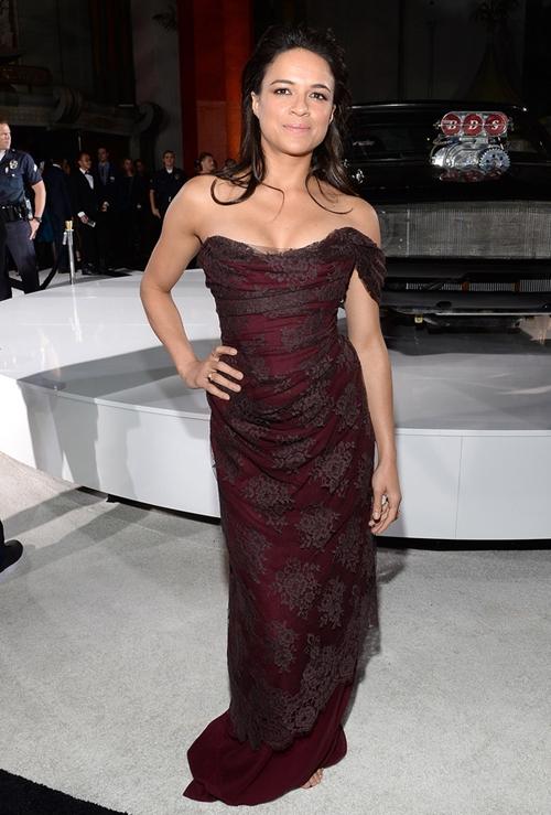 Michelle-Rodriguez-Dresses-Ski-2759-5919