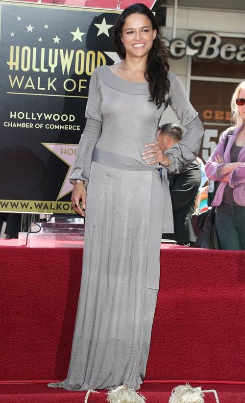 Michelle-Rodriguez-Dresses-Ski-6999-4800