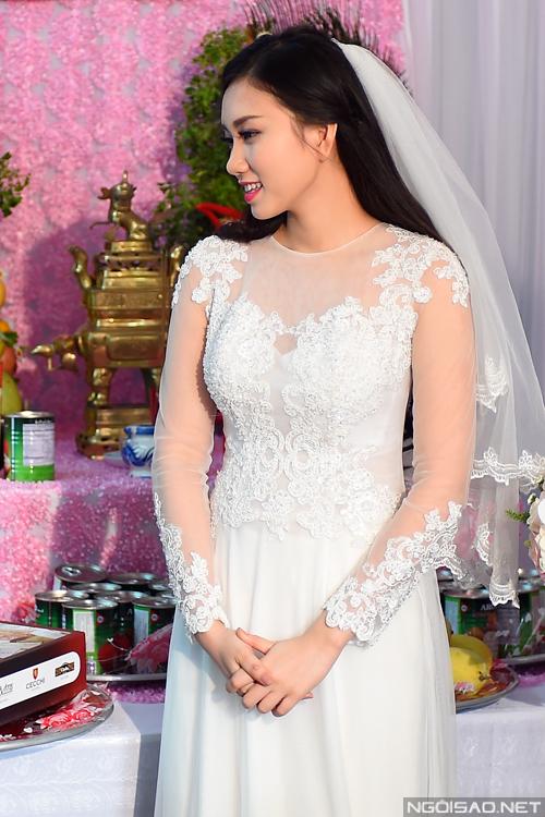 Miss Thy Thơ đẹp lộng lẫy trong đám cưới