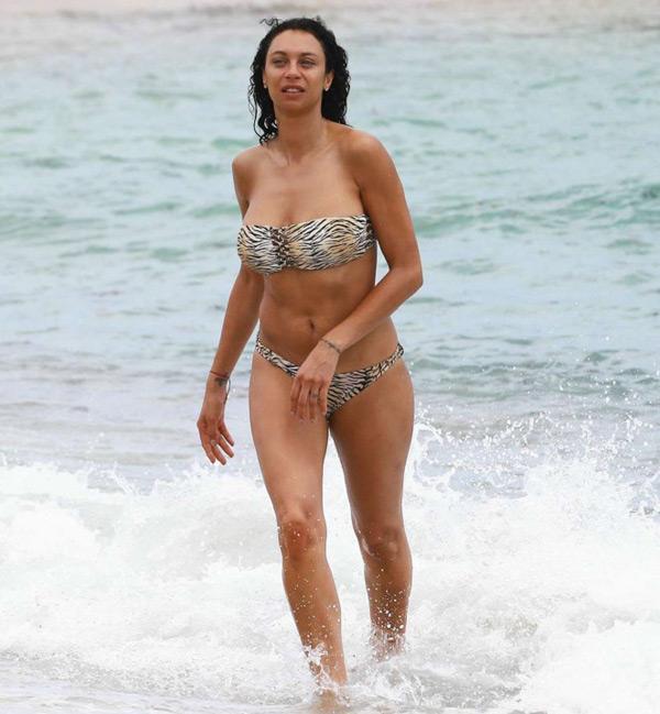 Lilly Kerssenberg, vợ huyền thoại người Đức tự tin khoe thân hình săn chắc, khỏe khoắn với bộ bikini không dây
