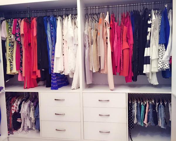 Tủ quần áo, phụ kiện long lanh của Midu