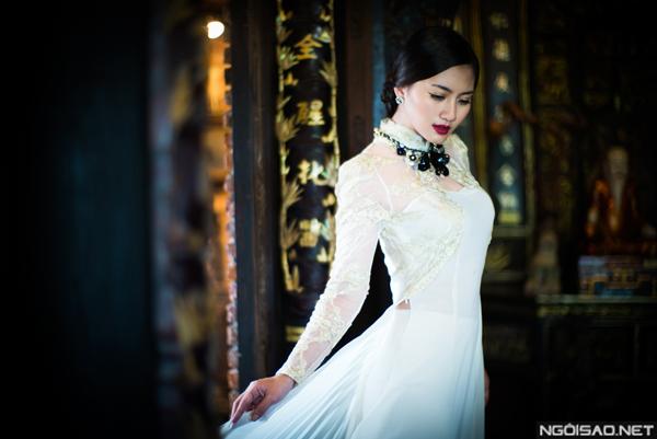 Ngọc Lan dịu dàng áo dài và lộng lẫy váy cưới