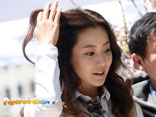 kim-hee-sun-3-4894-1429602888.jpg